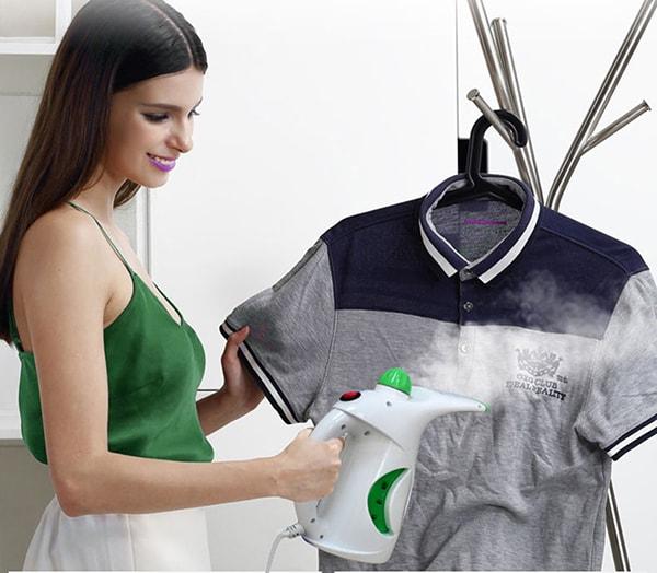 Sử dụng hơi nước để giặt áo thun đồng phục