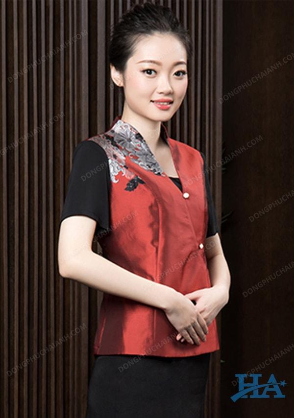 Dong-phuc-le-tan-nha-hang-khach-san-01