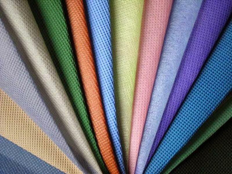 Vải thun cá sấu được sử dụng nhiều trong may & in áo thun đồng phục giá rẻ, mang lại hững chiếc áo giá thành phải chăng nhất.