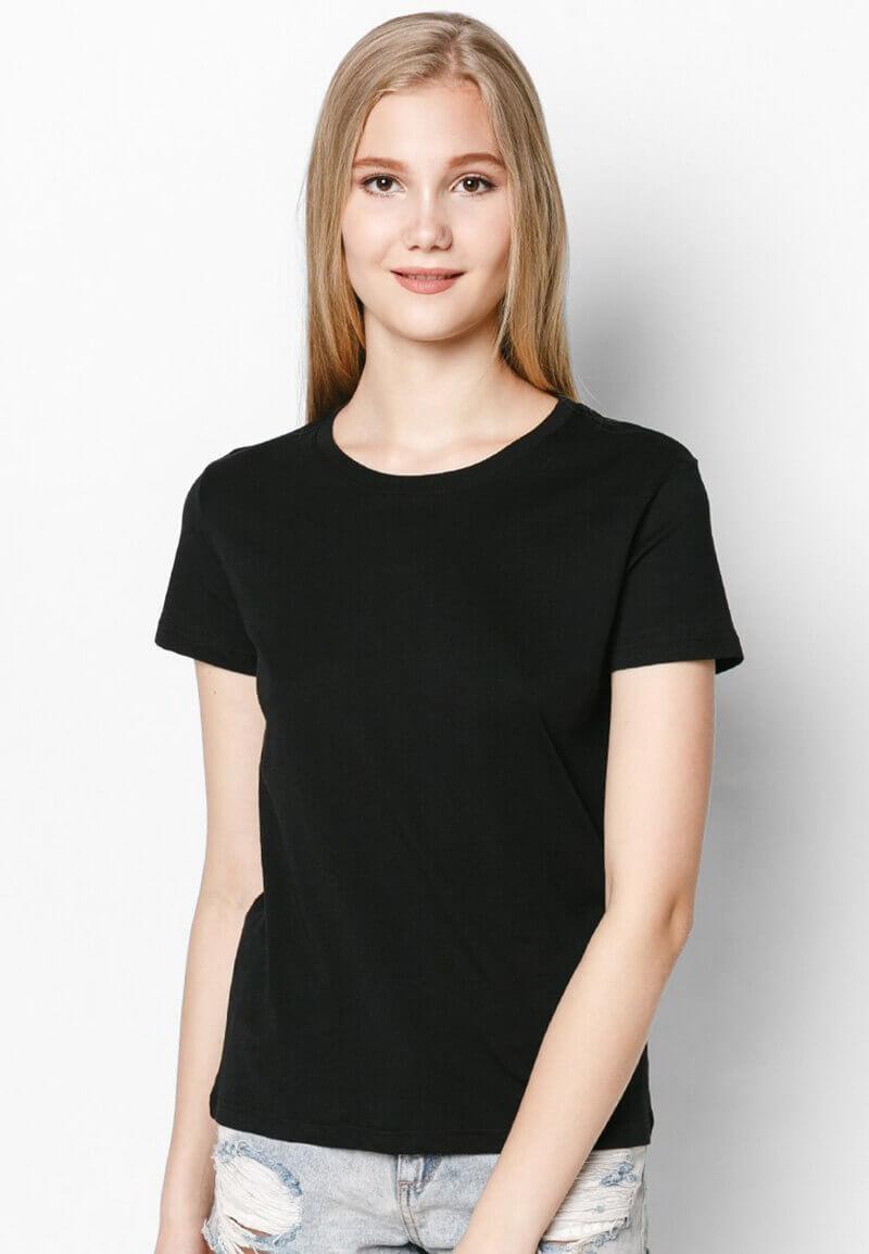 Các mẫu áo thun màu đen trơn tuy đơn giản nhưng lại là loại trang phục được sử dụng nhiều nhất.