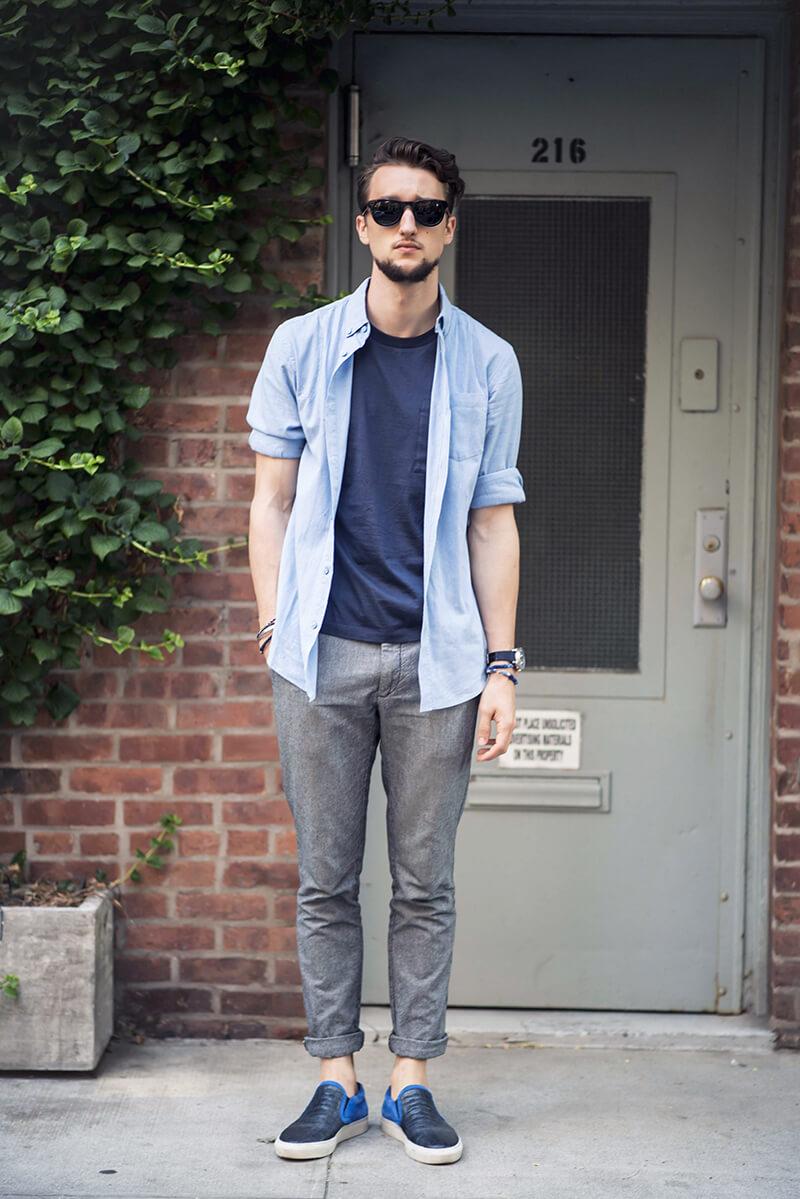 Layer áo thun và áo sơ mi mang đến hình ảnh chàng trai hiện đại