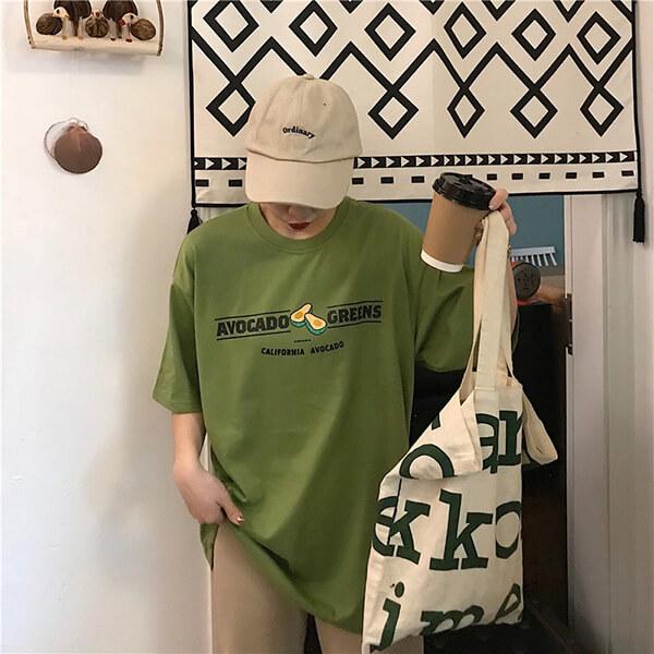Áo thun T- shirt mang phẩm chất đặc trưng của dòng sản phẩm áo thun do vậy đảm bảo mang lại cảm giác thoải mái đến người mặc.