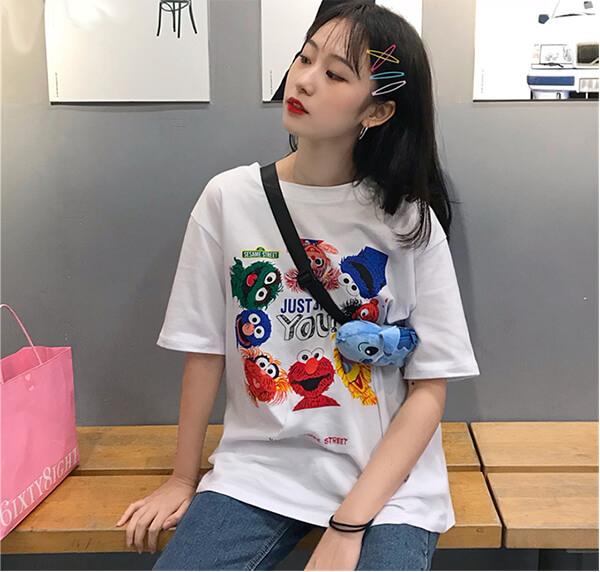 Những chiếc áo thun T- shirt luôn mang đến cho người mặc cảm giác thoải mái và thoáng mát không kém các dòng sản phẩm khác.