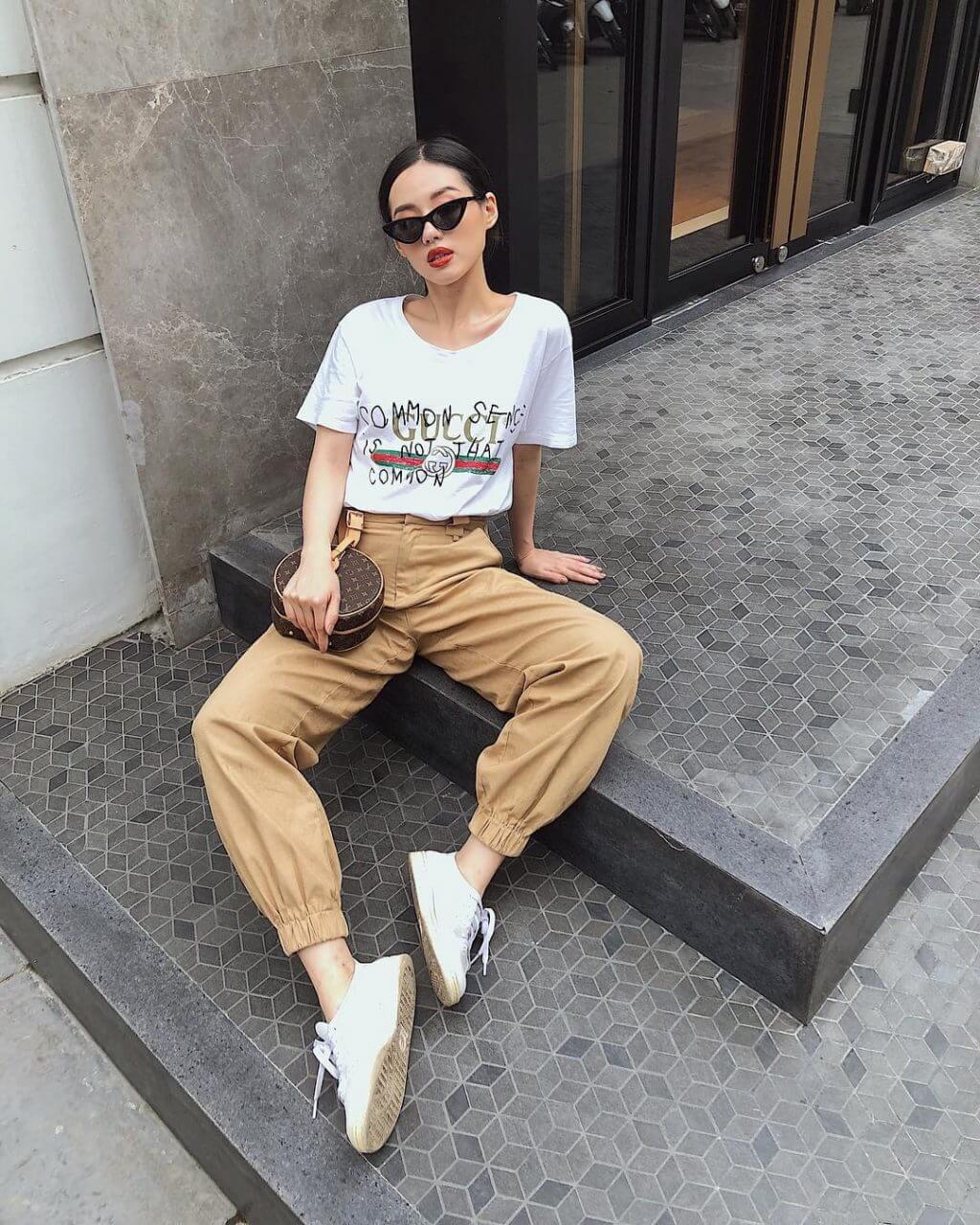 Mẫu áo thun Gucci của cô nàng Khánh Linh diện có giá gần 13 triệu đồng
