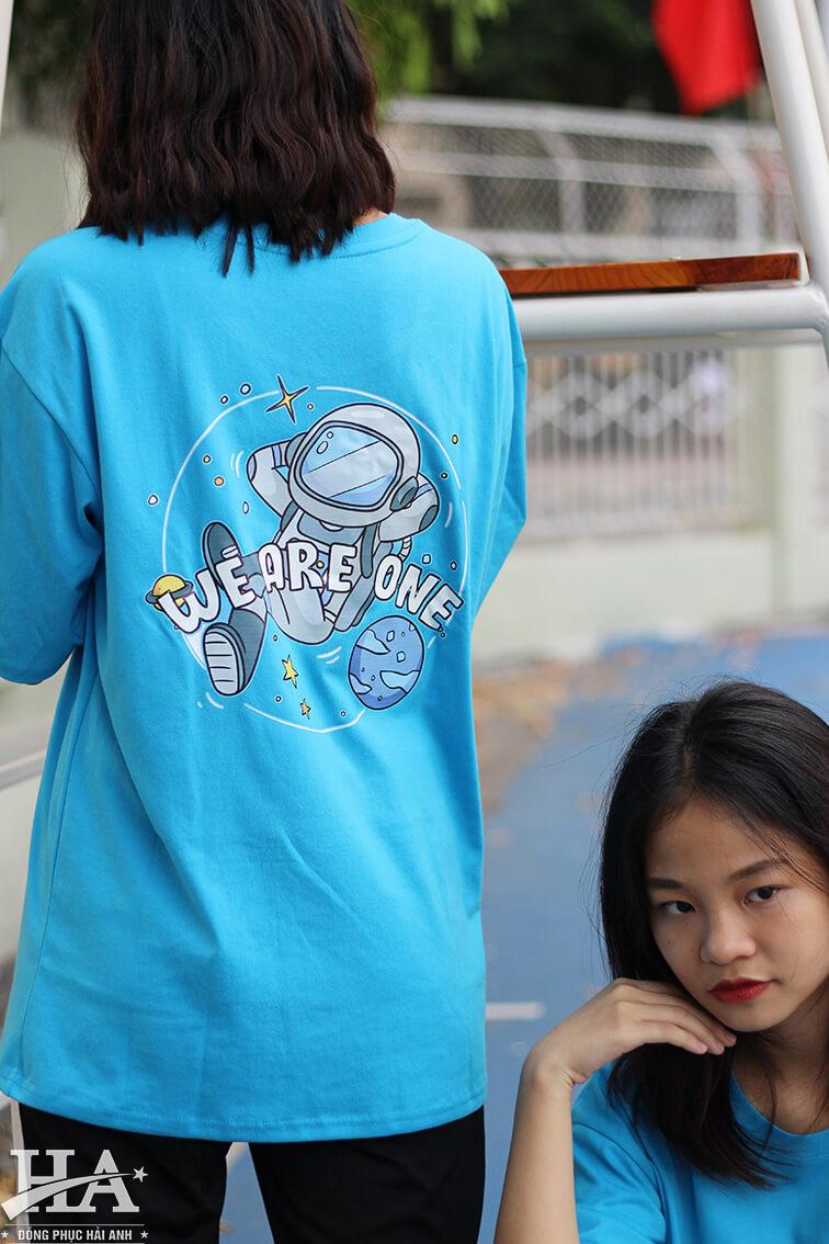 Mẫu áo lớp oversize cổ tròn màu xanh da trời 9A