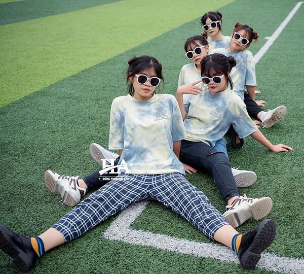 Áo lớp Hàn Quốc phong cách tie dye khác lạ