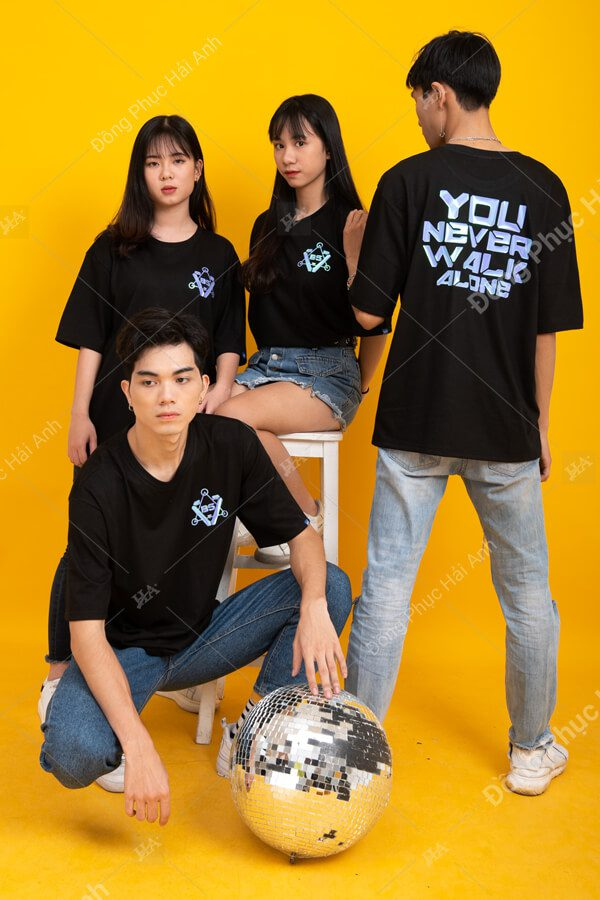 Mẫu áo lớp Hologram màu đen B5