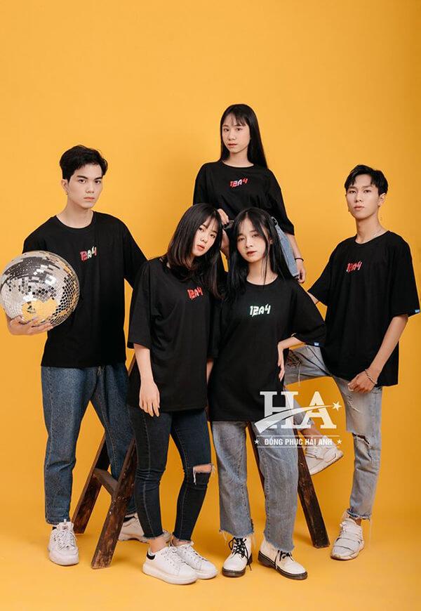 Những mẫu áo thun lớp đẹp nhất màu đen bí ẩn, trẻ trung