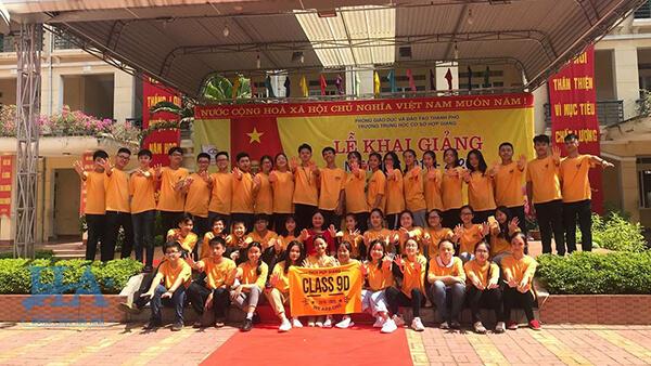 Những mẫu áo thun lớp đẹp nhất màu vàng đang được nhiều các bạn học sinh yêu thích