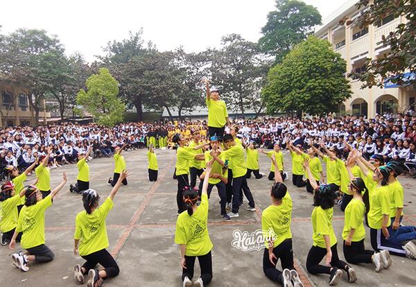 Nhu cầu làm áo lớp tại Bình Phước ngày càng được quan tâm