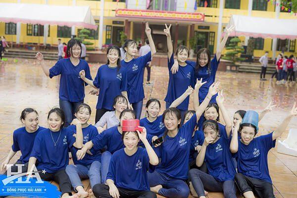 Làm áo đồng phục lớp tại Quảng Ninh của Hải Anh Uniform sẽ mang đến bạn những mẫu thiết kế độc đáo, ấn tượng nhất.