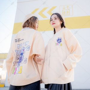 Áo khoác nỉ bomber màu kem sữa tone vàng cá tính